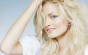 long blonde hair example styling photo