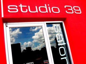 "img src=""http://studio39salon /images/Studio-39-Salon-Logo.jpg"" alt=""Studio 39 Salon, Kansas City, MO"""