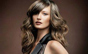 brunette model with wavy hair