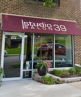 Crossroads Studio 39 Salon
