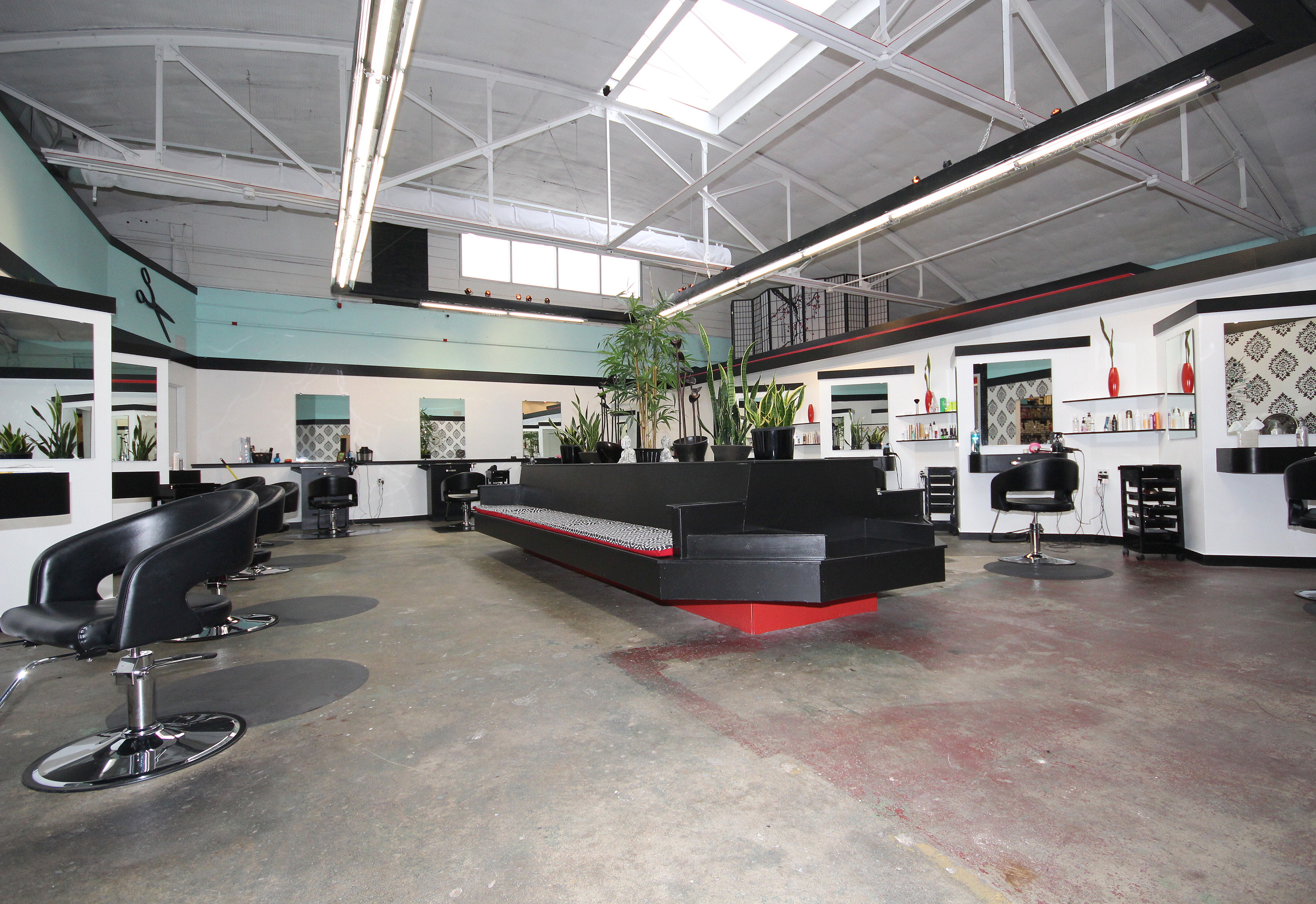 The inside of Studio 39 salon in downtown kansas city.